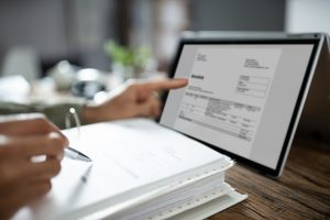 How Does Invoice Factoring Affect Your Customers?